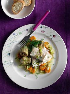 Τι θα φάμε σήμερα; Μπακαλιάρος αλά πολίτα με αγκινάρες και καρότα
