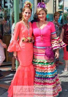 traje de flamenca en tonos salmon, de Azahara, Fuengirola