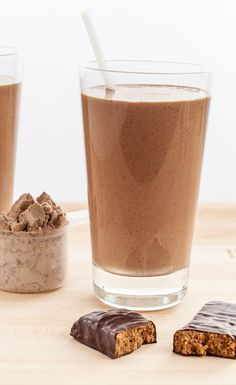 Chocolate Protein Bar Smoothie #BestSmoothie #VegaSmoothie