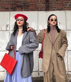 🦋NEW and Affordable ways to wear Pastels whether its fur coats, or a good street style look. Asian Street Style, Looks Street Style, Korean Street Fashion, Looks Style, Asian Fashion, Look Fashion, Winter Fashion, My Style, 70s Fashion