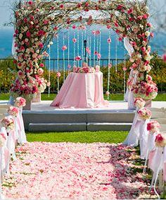 Decoración con hortensias y rosas para tu casamiento