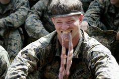 Thủy quân lục chiến Mỹ tập sống sót trong rừng ra sao?