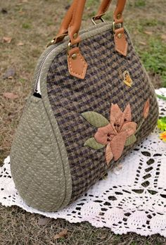 Quilted Bag. How to sewing in the photos. Japanese quilting