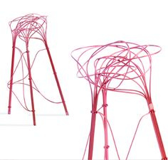 jumble of hot-pink aluminum tubes come together to form a stool using an ancient 'burr puzzle' method of assembling the pieces. You-De Chen and Chin-Hua Lin have modernized the wood burr puzzle, in which six wood pieces in two different shapes are joined in a particular way to create extremely strong joints. In the new version, fourteen pieces of metal in four shapes form a more complex type of joinery.
