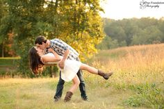 How to have the best engagement photography session. An engagement photo session celebrates a couple's relationship. But many couples fall back on the ho-hum generic shots for their shoot: the cheesy smiles, stiff poses, and generic blue backdrop. Autumn Photography, Couple Photography, Engagement Photography, Photography Poses, Fall Couple Pictures, Fall Photos, Couple Pics, Couple Goals, Prom Poses