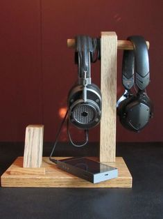let& add all future headphone stand creations to this one thread to make perusing easier. Diy Headphone Stand, Headphone Storage, Headphone Holder, Headphone Splitter, Diy Headphones, Cordless Headphones, Skullcandy Headphones, Sports Headphones, Office Desktop