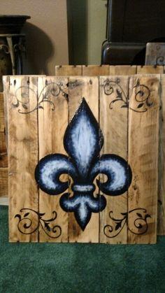 Blue fleur de lis painted on wood pallet board with swirls Pallet Painting, Wood Painting Art, Pallet Art, Stone Painting, Wood Wall Art, Stone Crafts, Wood Crafts, Paper Crafts, Diy Crafts