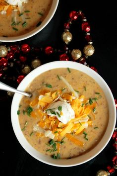 Slow Cooker Roasted Garlic Baked Potato Soup