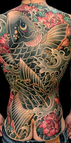 20 Cool Back Tattoos for Men in 2020 - The Trend Spotter Eagle Back Tattoo, Phoenix Back Tattoo, Tribal Back Tattoos, Small Back Tattoos, Red Bird Tattoos, Cool Back Tattoos, Upper Back Tattoos, Back Tattoos For Guys, Badass Tattoos