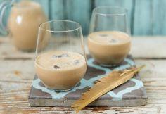 Baileys turmixban Cocktails, Drinks, Baileys, Glass Of Milk, Panna Cotta, Pudding, Cooking, Ethnic Recipes, Drinking