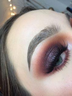 Purple Smokey Eye Makeup - Augen Make-up - Maquillaje Smokey Eye Makeup Look, Purple Smokey Eye, Purple Eye Makeup, Eye Makeup Tips, Makeup Goals, Skin Makeup, Beauty Makeup, Makeup Guide, Makeup Trends