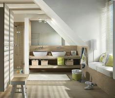 Ideen hellbeige Badezimmer mit Dachschräge