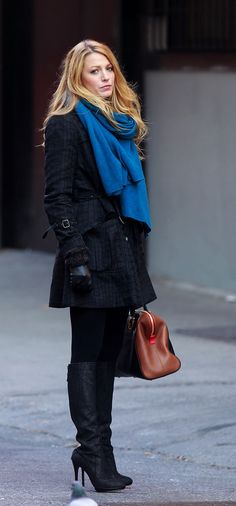 When she wore the most simplest of coats and still looked fashion-forward. | 24 Times We Wanted To Raid Serena Van Der Woodsen's Closet