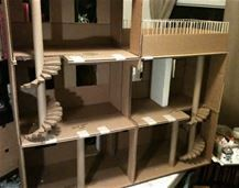 Lolas Mini Homes: Monster High Dollhouse Furniture Makeover DIY dollhouse High Homes Lolas Mini Monster Cardboard Dollhouse, Cardboard Crafts, Diy Dollhouse, Doll House Cardboard, Bookshelf Dollhouse, Cardboard Paper, Cardboard Furniture, Cardboard Boxes, Paper Crafts
