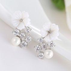 Wedding Bridal Pearls Flower Ear Studs Hollow Crystal Earrings