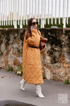 The Best Street Style Looks from Paris Fashion Week Casual Street Style, Looks Street Style, Street Look, Street Chic, Paris Street, Fashion Week, Fashion 2020, Fashion Outfits, Paris Fashion