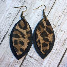 Large petal leather earrings, leopard cork layered on black leather earrings, black and leopard leather earrings by ShopSimplyDistressed on Etsy Diy Leather Earrings, Rose Gold Earrings, Star Earrings, Diy Earrings, Leather Jewelry, Teardrop Earrings, Cross Jewelry, Diy Jewelry, Jewelry Accessories