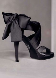 Vera Wang Wedding Shoes $61 ... Wonder if this comes in other colors! I love these!