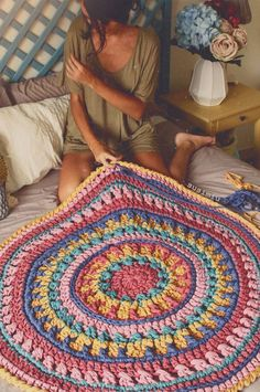 Basket rope diy yarns new ideas Crochet Carpet, Crochet Home, Diy Crochet, Crochet Doilies, Crochet Baby, Crochet Rug Patterns, Crochet Mandala Pattern, Afghan Patterns, Crochet For Beginners Blanket