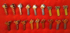 PEZ PINS ORIGINAL 18 PINS SET FROM 1970`S DISNEY CHARACTERS MICKEY GOOFY...  http://www.ebay.com/itm/261599632403?ssPageName=STRK:MESELX:IT&_trksid=p3984.m1555.l2649