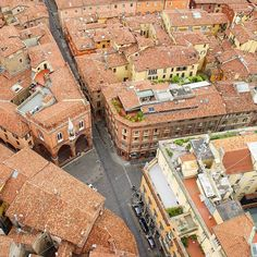 The beauty of #bologna rooftops! I love this city, and can't wait to go back - Instagram by norskereiseblogger
