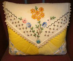 Sweet Pillow w/ Vintage Quilt & Embroidered Daisies - Vintage Linen Collectible