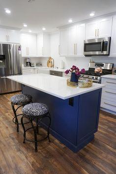 Choosing New Kitchen Countertops White Countertops, Kitchen Countertops, Living Room Kitchen, Home Decor Kitchen, Home Design, Interior Design, Apartment Renovation, Layout, Outdoor Kitchen Design