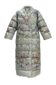 Пальто-пуховик от дизайнера Алены Ахмадуллиной