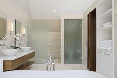 299 Soper Place / Barry J. Hobin + Associates Architects Inc