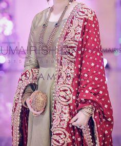 Desi Wedding Dresses, Pakistani Formal Dresses, Shadi Dresses, Pakistani Fashion Casual, Pakistani Bridal Dresses, Pakistani Dress Design, Indian Dresses, Indian Outfits, Frock Fashion