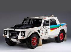 the lamborghini LM002 is a luxury SUV racer http://flip.it/FNhApH - Marvel Pinnock - Google+