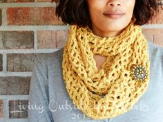 Infinity Scarf Pattern {Living Outside the Stacks}  #Crochet #DIY #Handmade #Pattern