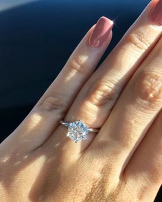 42 Top Round Engagement Rings: Best Rings Ideas %%page%% %%sep%% %%sitename%% Or Rose, Rose Gold, Rings Cool, Diamond Rings, Boho Chic, Vein Removal, Heart Ring, White Gold, Bling