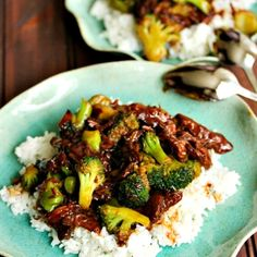 crockpot broccoli beef/ So yummy!!! Super easy too, it only had to cook for 3 hours so it didn't matter that I forgot to put it in the crock pot in the morning