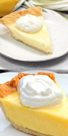 Sour Cream Lemon Pie…magnificent, smooth, creamy, light and refreshing. Oh yeah, this was amazing! Lemon Dessert Recipes, Köstliche Desserts, Lemon Recipes, Cream Recipes, Delicious Desserts, Cake Recipes, Yummy Food, Recipes Using Sour Cream, Amish Recipes