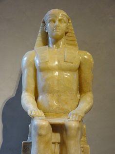 """https://flic.kr/p/Koq4wL   """"Horus Albani"""" (détail). Siège, jambes et avant-bras : règne de Ramsès II (1279-1213 avant JC). Partie supérieure : seconde moitié du 18ème siècle. Musée du Louvre."""