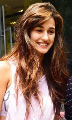 Disha Patani's cute little innocent face with smile Bollywood Heroine, Bollywood Actress Hot Photos, Indian Bollywood Actress, Bollywood Girls, Beautiful Bollywood Actress, Bollywood Celebrities, Beautiful Actresses, Indian Actresses, Bollywood Saree
