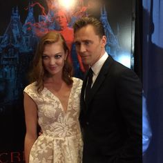 @crimsonpeak: Tom Hiddleston and  Emily Coutts at the NY premiere. http://twitter.com/crimsonpeak/status/654452910370238464/photo/1