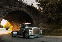 Tag us with your favorite vintage truck that's been upgraded with a modern, custom build! Medium Duty Trucks, Heavy Duty Trucks, Big Rig Trucks, New Trucks, Custom Trucks, Cool Trucks, Chevy Trucks, Extreme 4x4, Deer Farm