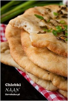 DOMOWE CHLEBKI NAAN Z CZOSNKIEM Bread Recipes, Diet Recipes, Snack Recipes, Cooking Recipes, Healthy Recipes, Kitchen Recipes, Food Design, My Favorite Food, I Foods