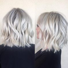 Golden Blonde Balayage for Straight Hair - Honey Blonde Hair Inspiration - The Trending Hairstyle White Blonde Bob, Icey Blonde, Ash Blonde Hair, Blonde Balayage, Gray Hair, Short White Hair, Choppy Bob Hairstyles, Choppy Lob, Simple Hairstyles
