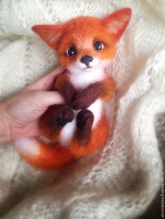 Felt baby fox by Anna Romanova from Moscow Russia Baby Animals Super Cute, Cute Little Animals, Cute Funny Animals, Baby Animals Pictures, Cute Animal Pictures, Cute Animal Drawings, Cute Drawings, Fuchs Baby, Baby Wolves