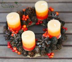 adventi koszorú (25cm) Advent Wreath, Pillar Candles, Wreaths, Winter, Winter Time, Garlands, Floral Arrangements, Taper Candles, Flower Garlands