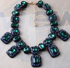 Maxi colar luxo com cristais azuis e verdes