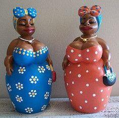 Mini Boneca Fulô photo by Catálogo Atelier Cinthya Vaz – Handwerk und Basteln Paper Mache Clay, Paper Mache Crafts, Cardboard Crafts, Clay Crafts, Paper Clay, Stone Crafts, Rock Crafts, Afrique Art, African Dolls