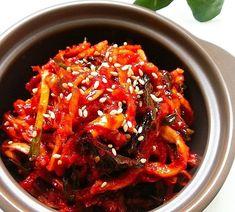Vegetable Seasoning, Korean Food, Ratatouille, Japchae, Chili, Pork, Food And Drink, Cooking Recipes, Vegetables
