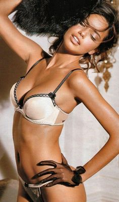 Adriana Lima, love her