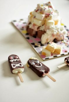What a lovely ice-cream cake-idea <3 via MUITA IHANIA: IGLU JA KAVERUKSET