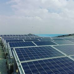 #SolarPanels on Rooftops  Chennai India . . . HASHTAGS:- #SolarPower  #RenewableEnergy