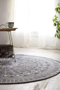 Daring 5' dia round rug in laundry room?  Plum & Bow Florisse PrintedRound Rug